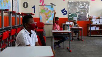 Volta às aulas na pandemia (Foto: Amanda Perobelli/Reuters)