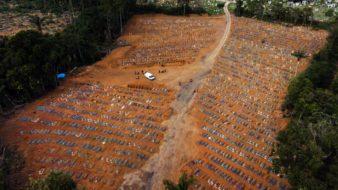 Manaus AM 30 12 2020-Cemitério público de Manaus, Nossa Senhora Aparecida, localizado no bairro Tarumã (Foto: Bruno Kelly/Amazônia Real)