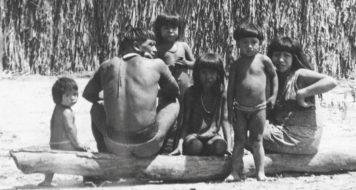 Índios cajatis na década de 1970; pensamento ameríndio pontua a história intelectual brasileira (Foto: Acervo Correio da Manhã/Arquivo Nacional)